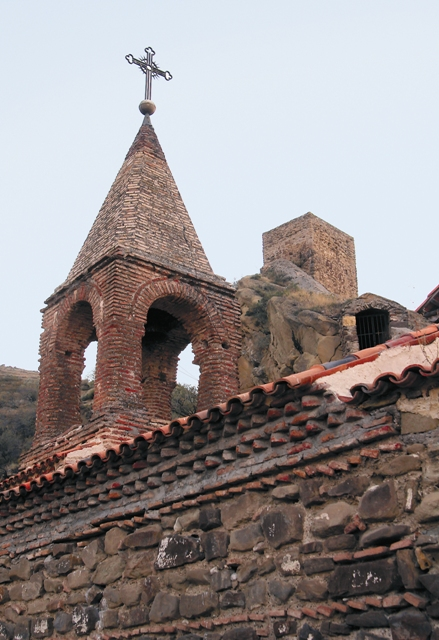 крест на башне Давидовой обители
