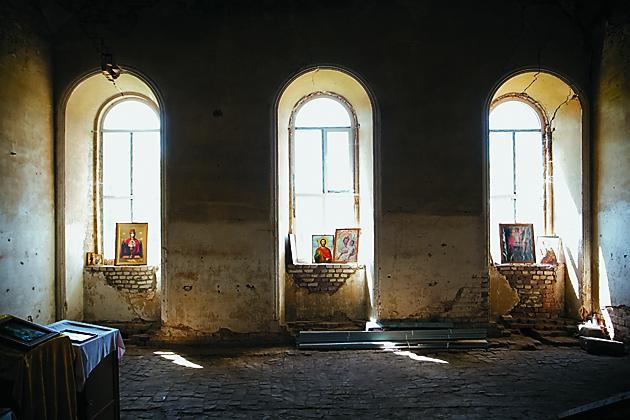 Возрождающийся храм Иоанна Богослова в селе Тим, скит монастыря