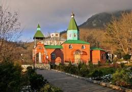 Бештаугорский-монастырь1