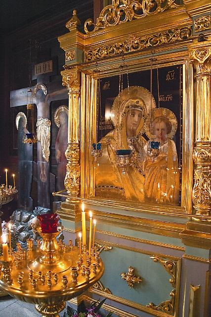 """Интерьер храма во имя иконы Божией Матери """"Знамение"""""""