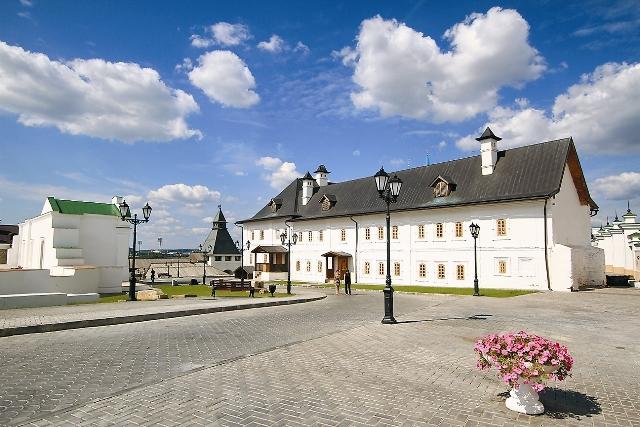 Спасо-Преображенский монастырь. Здание братского корпуса
