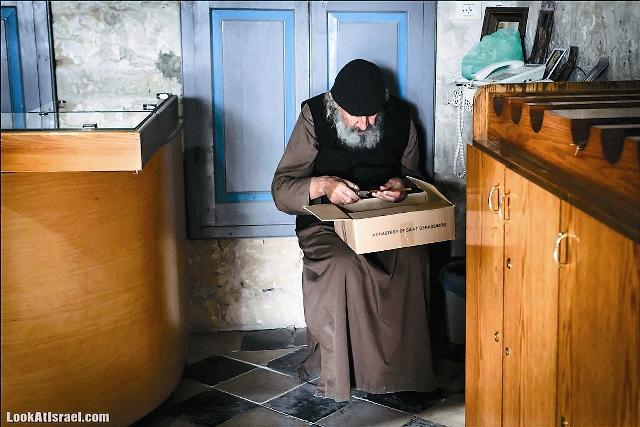 Отец Герасим служит в монастыре уже 30 лет