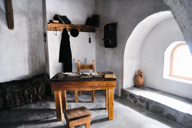 Так выглядела комната святого Паисия