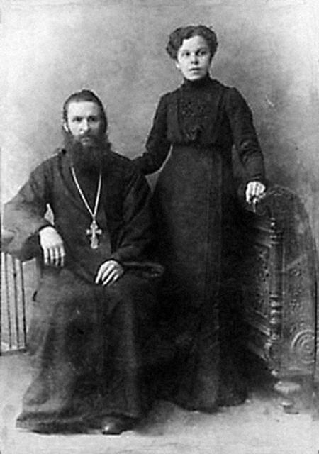 Протоиерей Александр Некрасов с ьатушкой Ольгой
