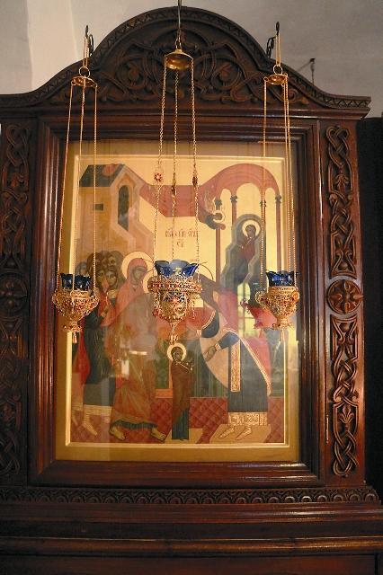 Чудотворная икона «Введение Богородицы во святая святых»