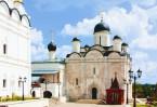 Введенский собор и гробница преподобного Варлаама Серпуховского в наши дни