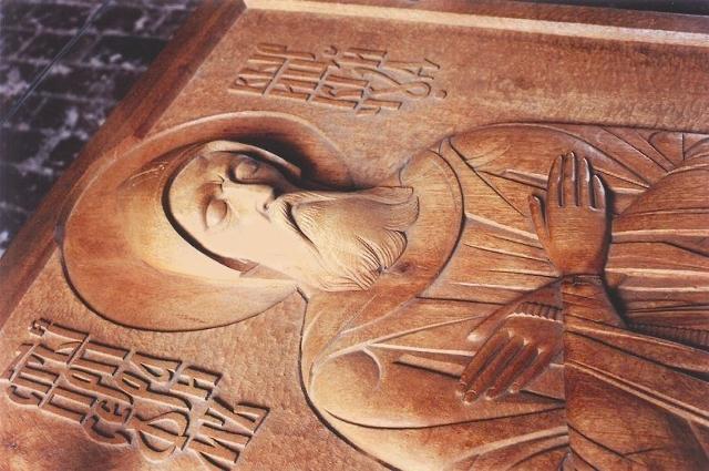 Резной образ на надгробии прп. Серафима. Скульптор C. Протасов
