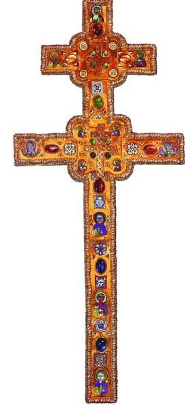 Над изготовлением креста трудился известнейший ювелир своего времени – Лазарь Богша, вложивший в него все свое умение и любовь ко Христу