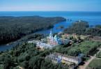 Главная усадьба монастыря. Фото Сергея Компанийченко