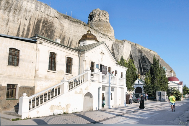 Пещерный Климентовский монастырь в Инкермане