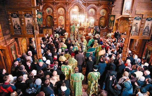 Патриаршая служба в Казанском храме Вырицы 3 апреля 2009 года - в день 60-летия со дня кончины прп. Серафима