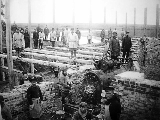 Строительство каменного Никольского храма в Суре