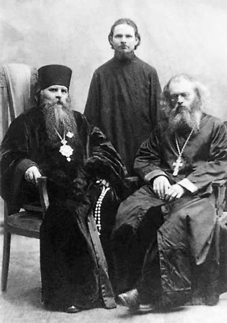 Епископ Иннокентий (Пустынский) и отец Валентин