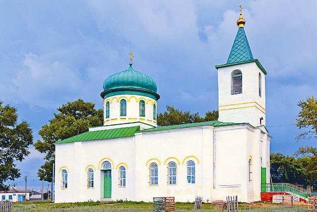 Храм Святых Прокопия и Иоанна Устюжских в селе Чернавское, где хранится святыня