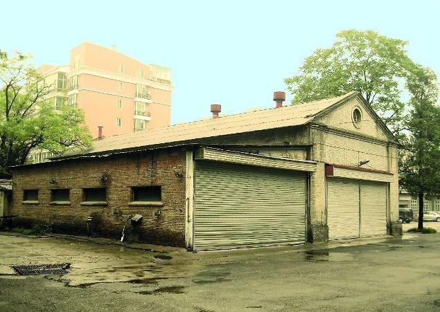 Успенский хам переоборудованный под гараж  посольства СССР. !957-1959 гг