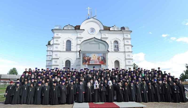 Патриарх Кирилл с большой Иоановской семьей
