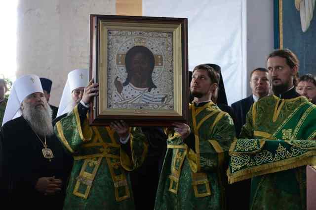 Патриарх подарил обители старинный образ Спасителя