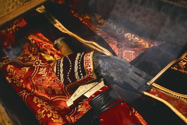 Честные мощи святого князя Глеба Ростовского