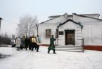 Храм св. Иоанна Кронштадтского после обстрела. Крестный ход в престольный праздник с иконами, переданными в дар из России