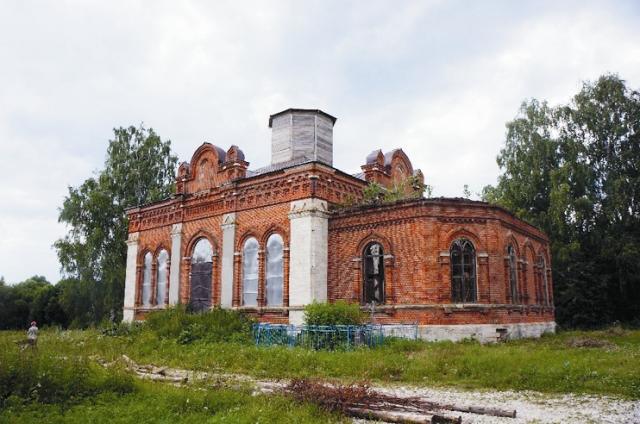 Троицкий храм в селе Селищи