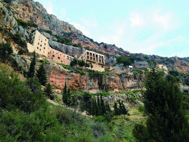 Почти две тысячи лет в этих краях сохраняются традиции древнего монашества