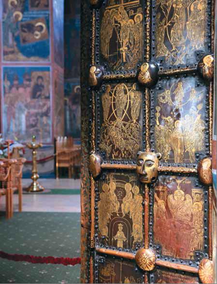 Васильевские врата вывезены Иваном Грозным из Великого Новгорода