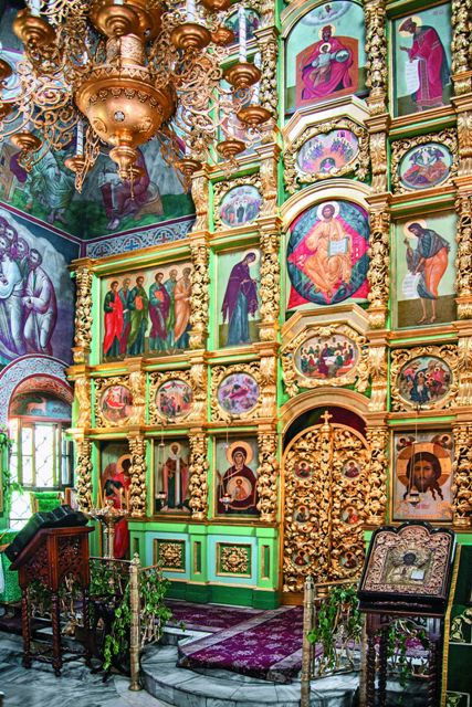 Иконостас верхнего храма