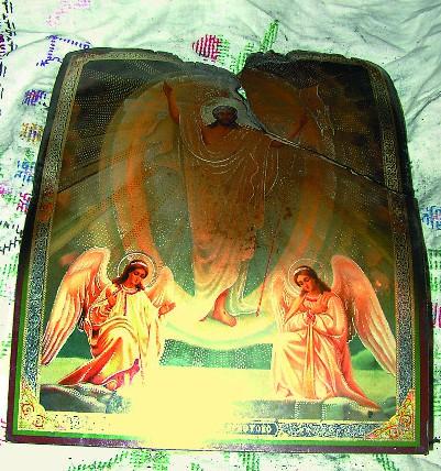 """Горевшая несколько часов икона """"Воскресение Христово"""""""