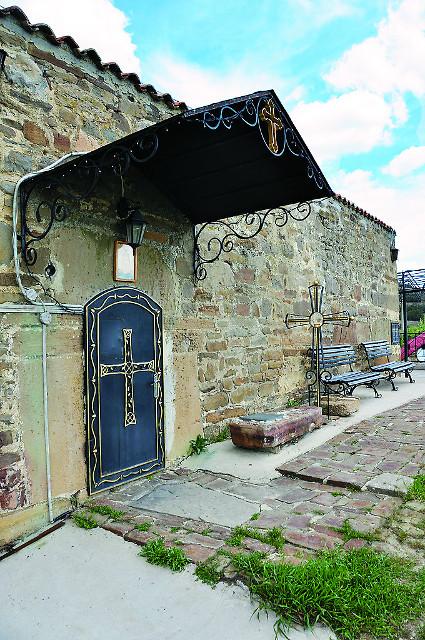 Вход в Ильинский храм