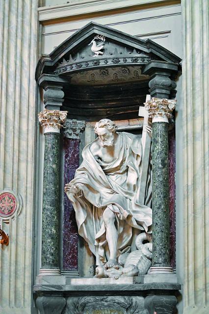 Апостол Филипп, изгоняющий дракона  в пустыню из Иераполиса. Скульптура Латеранского собора