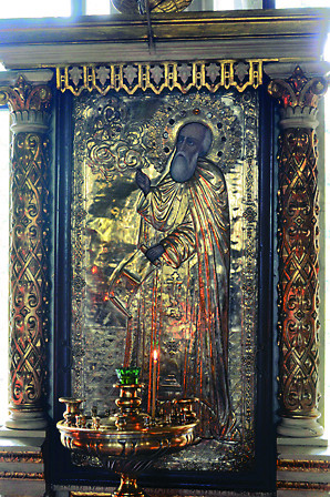Икона преподобного Иосифа ранее находилась в Волоцкой обители. После закрытия монастыря ее перенесли в Введенский храм в Спирово, где она хранится и поныне. Эта икона участвует в крестном ходе вместе с резным образом Николая Чудотворца