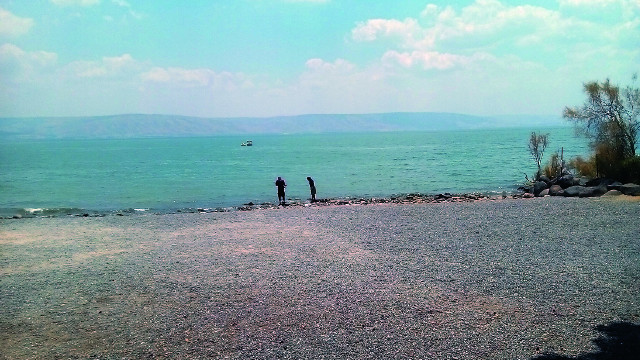 """Каждый путешественник стремился омочить ноги в Галилейском озере, по которому  Христос ходил """"аки по суху"""""""