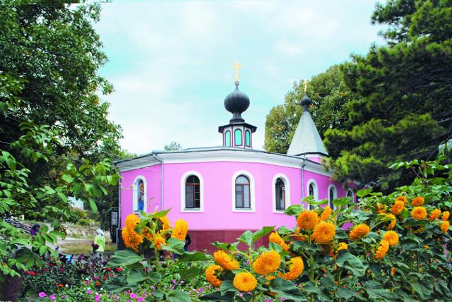 Первый храм обители во имя преподобномученицы Параскевы