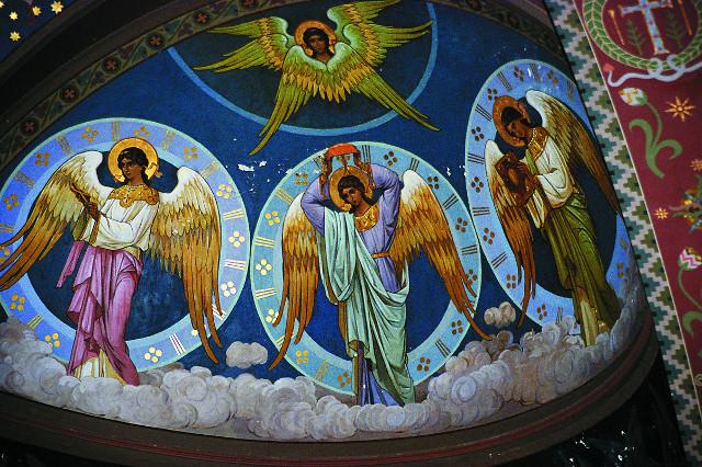 Фрагмент росписи собора святого Пантелеимона: ангелы