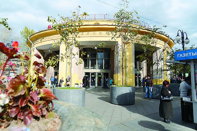"""На месте вестибюля станции """"Новокузнецкая"""" стоял храм, давший название Пятницкой улице. Фото  Игоря Громова"""