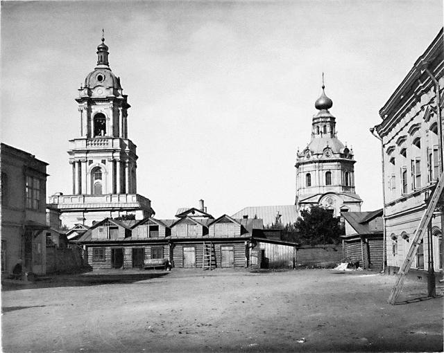 Усадьба Журавлевых. Вид на Пятницкую церковь. 1883 год