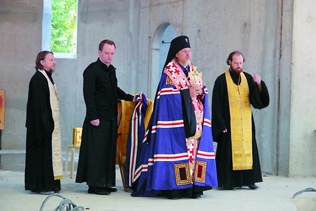 Торжественный молебен отслужил архиепископ Егорьевский Марк