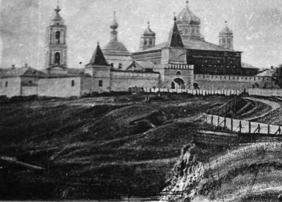 Так выглядела Георгиевская обитель ровно сто лет назад. Архивное фото 1915 года
