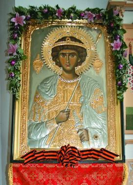 Главная святыня монастыря - список с чудотворной иконы великомученика Георгия Победоносца