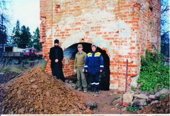 Место, где был похоронен блаженный Андрей Мещовский. Начало строительства часовни
