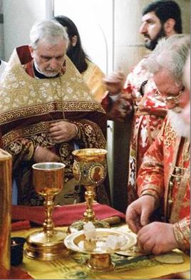 Архимандрит Иосиф сослужит архиепископу Берлинскому и Германскому Феофану