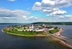 В покоренном Казанском ханстве Свияжск стал первым центром хри- стианства – местом крещения тысяч татар, чувашей, марийцев, мордвы