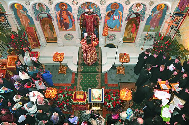 Храм великомученицы Екатерины  прихожане воспринимают как кусочек далекой родины