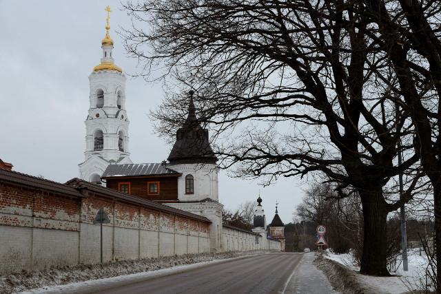 Дорога к Николо-Бирлюковскому монастырю