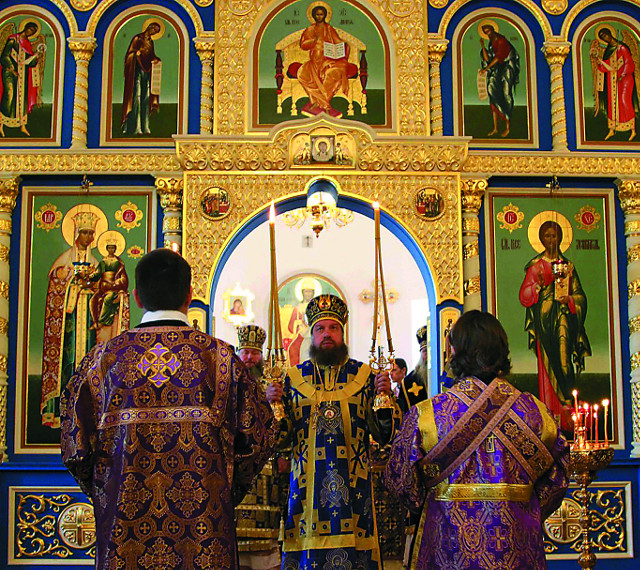 На протяжении многих лет  в Крестовоздвиженской обители отмечают день обретения Животворящего Креста