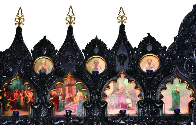 Уникальный резной иконостас, выполненный из кипариса