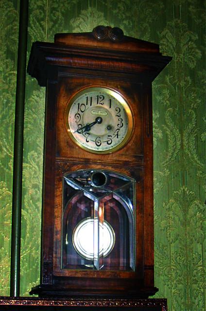Стрелки часов в гостиной у батюшки замерли, указывая на 7.40. В это время утром 2 января 1908 года отец Иоанн отошел ко Господу