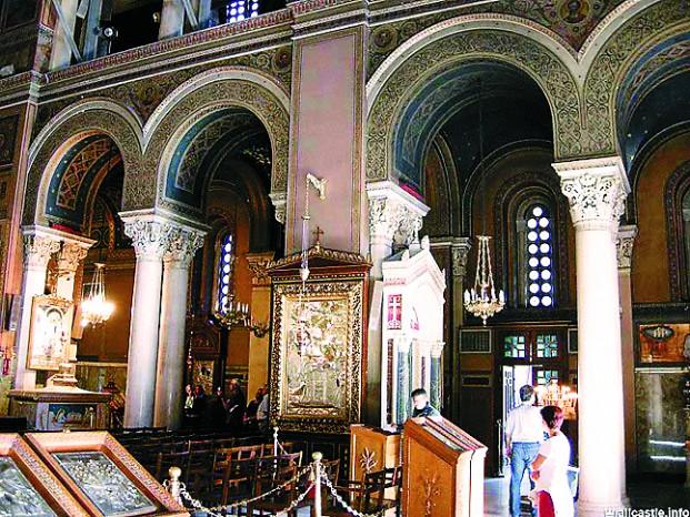 Храм Благовещения Пресвятой Богородицы в центре города был возведен в 1842–1862 годах по проекту австрийского архитектора барона Теофила фон Хансена