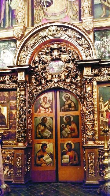 Спасенный иконостас Вознесенского монастыря. ныне находится в храме Двеннадцати апостолов патриаршего дворца в Кремле