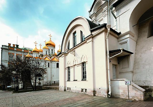 Архангельский собор  Московского Кремля. Вид на южную пристройку собора